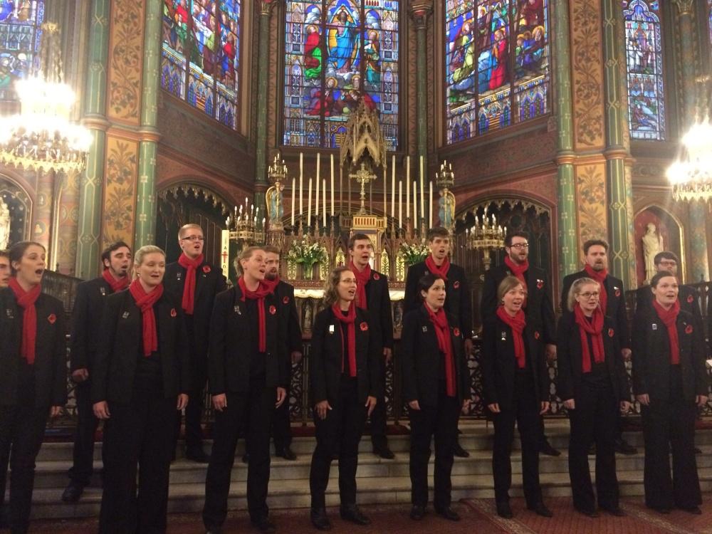 The choir performs their final concert with the Ensemble Mangata Saint Eugène Sainte Cécile.