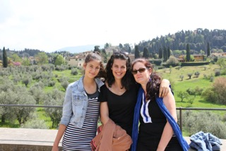 A day off from touring in Florence left for a day of exploration. A whirlwind tour of the bustling city, following the Medici family trail that led us to the Pitti Palace and the gardens.
