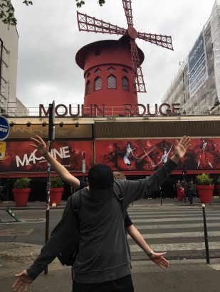 Fred & Nick a la Moulin Rouge!