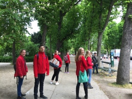 Enjoying The Tuileries Palace (Pic by Julie)