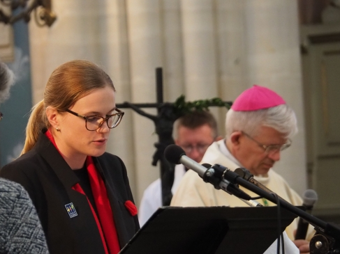Kerry Pickering reads an English translation of a prayer (pic by Brian)