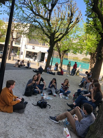 The choristers enjoy lunch in Compiegne (pic by Tilly)