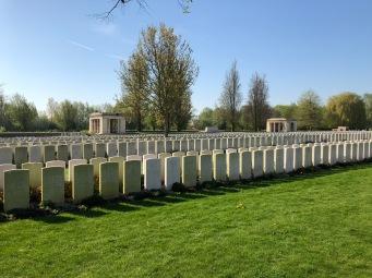 Bailleul Communal Cemetery (pic by Georgia)