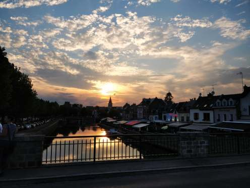 Watching the sunset in Amiens (pic by Oli)