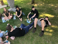 Relaxing for lunch between tours (pic by Julie)