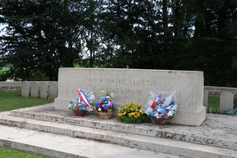 British cemetery at Halloy-lès-Pernois (Pic by Mark)